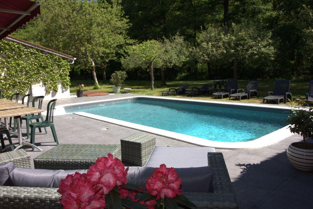 Chambres d'Hôtes avec Piscine - Auberge Forestière Marcheroux